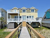 Dave's Beach House- Beautiful 6 Bedroom Oceanfront House