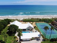 GOLDEN SANDS EMERALD -Luxury Beachfront -Tennis Court, Pool, Spa, Private Beach