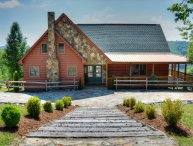 A Home Sweet Home-5 BR, 4 BA Cabin w/VIEWS, Hot Tub, Pool Table, Wi-Fi, Fire Pit