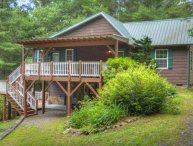 Manna Cabin-Private & Secluded 3 BR Cabin w/HOT TUB, Wi-Fi & Pets OK