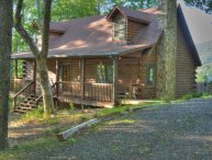 Serenity Now-Beautiful 3BR Log Cabin w/HOT TUB, VIEWS, Wi-Fi, PRIVATE, FIRE PIT,