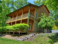 Rellings Retreat-3 BR Cabin with HOT TUB, POOL TABLE, Wooded Views, Fire Pit, AC