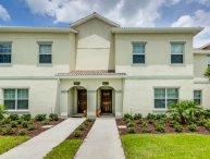 Gorgeous 4BR 3bth Champions Gate townhouse w/private splash pool from $128/nt