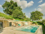 Podere del Chianti luxury villa between Florence and Siena. Sleeps 12, pool, A/C