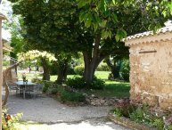 LS7-257AMBICIOUN, Pretty Provencal farmhouse with pool near Aix en Provence