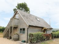 BICTON LODGE, woodburning stove, hot tub, countryside, in Clun, Ref. 29550