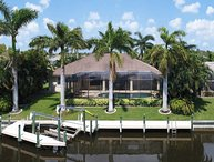 SWFL Rentals - Villa Serenity Palms - Beautiful Updated Home Sleeps 8