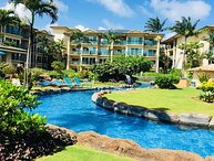 Luxurious Beachfront Waipouli Resort, AC, Wifi, Steps to Kapaa Town and Beach