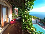 Exclusive villa with pool in Taormina