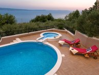 Beautiful villa with pool and panoramic sea view, near Omis