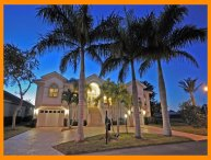 Fort Myers 5 - Luxury waterfront home with private pool and boat dock
