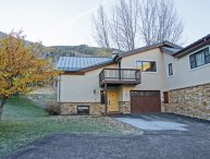 Delightful Mountain Home, Full Featured with Distinctive Amenities (220353)