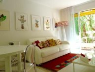 Modern 2 bedroom apartment in Cannes next to the beach, a 15 minute walk to the