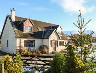 CORRIEMHOR BEAG, countryside views, WIFI, Cairngorms National Park, Ref 968801