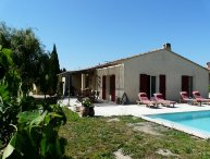 LS6-235 BESCANTA, Nice home rental with private pool, near Avignon, in Graveson