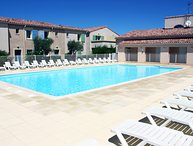 LS1-295 MARINADO, Charming apartment with heated-shared pool in the Alpilles