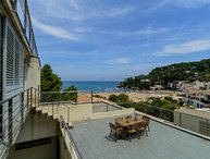 3 bedroom Apartment with Air Con and Walk to Beach & Shops - 5405548