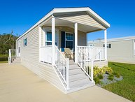 Cozy 1 Bedroom Cottage in Blueberry Hill RV Resort