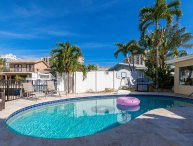 Waterfront Vacation home rental Coral Reef Beach House
