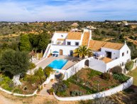 Vivenda Aline - Peaceful 4 bedroom villa with pool, near to beaches and amenitie