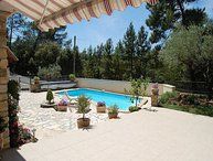 Family holiday house in Bagnols-s/Cèze, Gard, private pool, nice view