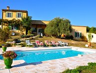 Holiday house in the Luberon in the countryside, private pool
