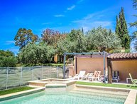 In the heart of the Luberon, spacious house in Grambois, private pool