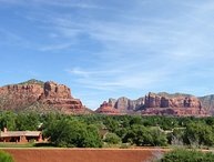 Beautiful, Contemporary SW Ranch-Rambler Style Home in the Sedona Golf Resort Su