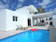 Fantastic central location in PDC,4 Bedrooms, Private Pool, WiFi Ref LVC222099