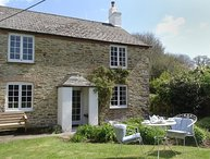 KINGBARTH, wonderfully private, detached cottage with 19th cent. origins in an