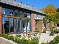 BARLEY HOUSE, super 5* cottage in grounds of striking Grade II listed Talaton