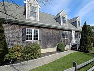 Edgartown 4 Bedroom- walk to town