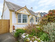 POUND ROCKS, detached contemporary bungalow with garden, in the heart of
