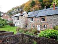 Magnolia Cottage, Porlock - Country cottage for up to 4 guests in a quiet part o