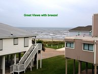 GREAT OCEAN VIEW; 2 min walk to beach! BBQ grill
