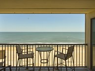 Direct Ocean Front 2 BR 2 Bath Condo w/MBR & Living Area Ocean Front * Pool