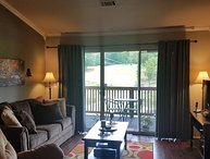 Walk-In*End Unit*Gorgeous*Waterfall*Lake View