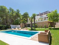 Villa Royal Trogir – Luxury seafront villa with pool near Trogir