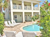 Brand New! Upscale,Private pool, Free golf cart! 4 Minute walk to beach!