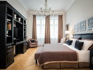 Experience Berlin, in an Elegant 2 Bedroom, 2 Bathroom Luxury Apartment