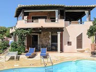3 bedroom Villa with Pool, Air Con and Walk to Beach & Shops - 5650731