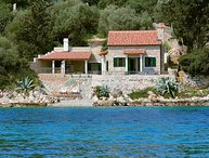 Villa Mermaid Hvar – Stone house on the beach in peaceful bay, Hvar