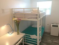 2 BUNK BED SUITES Side by Side - SLEEP 24: HOT TUB - BBQ - WALK TO EVERYTHING!