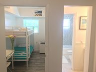 BUNK BED APT: WALK EVERYWHERE!