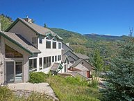 Distinctive Mountain Mansion, Elegant Appointments, Vaulted Ceilings (208159)
