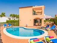 3 bedroom Villa with Air Con, WiFi and Walk to Beach & Shops - 5479283