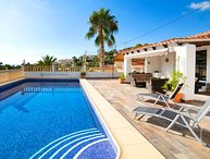 6 bedroom Villa with Air Con, WiFi and Walk to Beach & Shops - 5698212