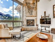 Enjoy Hot Tub, Gas Fire Pit, Excellent Views & Ideal Location on Peak 8!