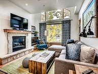Ski-In/Ski-out 2 Bedroom+loft Contemporary Aspenwood Lodge Penthouse
