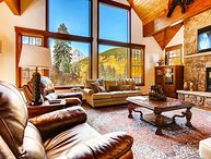 Blue River Beauty Featuring Stunning Views of Quandary Peak, Hot Tub & More!